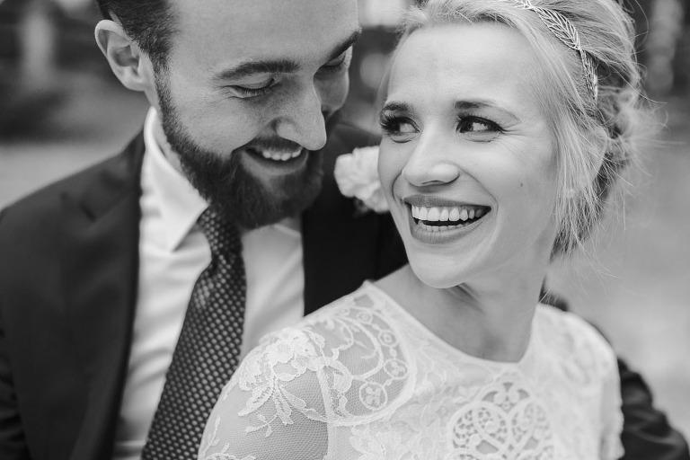 radosny portret ślubny
