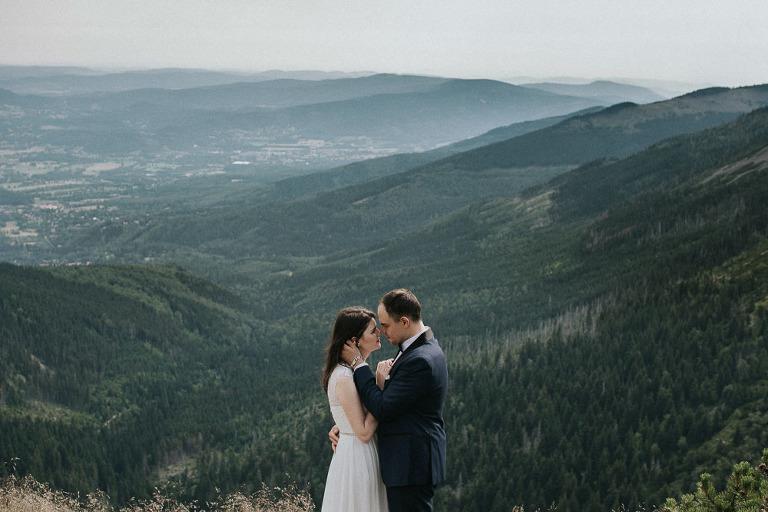 sesja ślubna w górach Karpacz